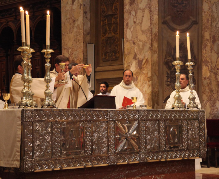uec_ba_cathedral_eucharist