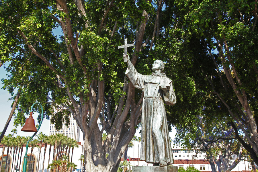 uec_usa_california_los_angeles_junipero_serra