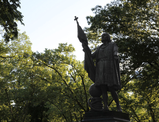 uec_usa_nyc_central_park_christopher_columbus_with_catholic_banner