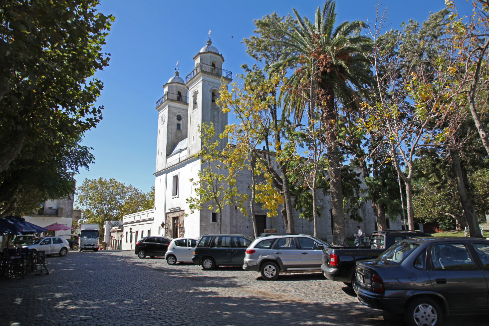 Basilica and palms and cobblestones in Colonia del Sacramento